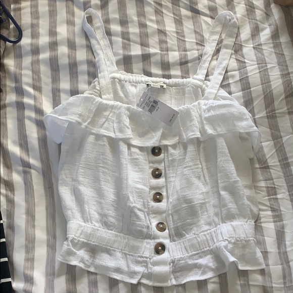American Eagle Outfitters Tops - cute white strapped top